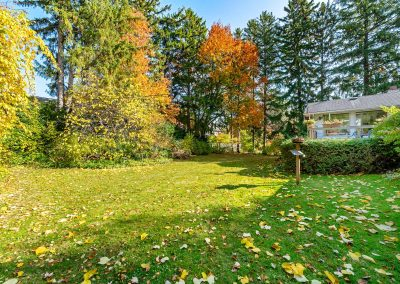189 FORESTWOOD DRIVE OAKVILLE - Yard-(4)