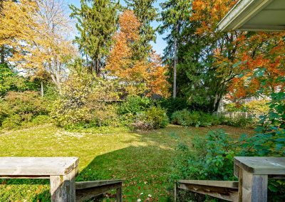 189 FORESTWOOD DRIVE OAKVILLE - Yard-(6)